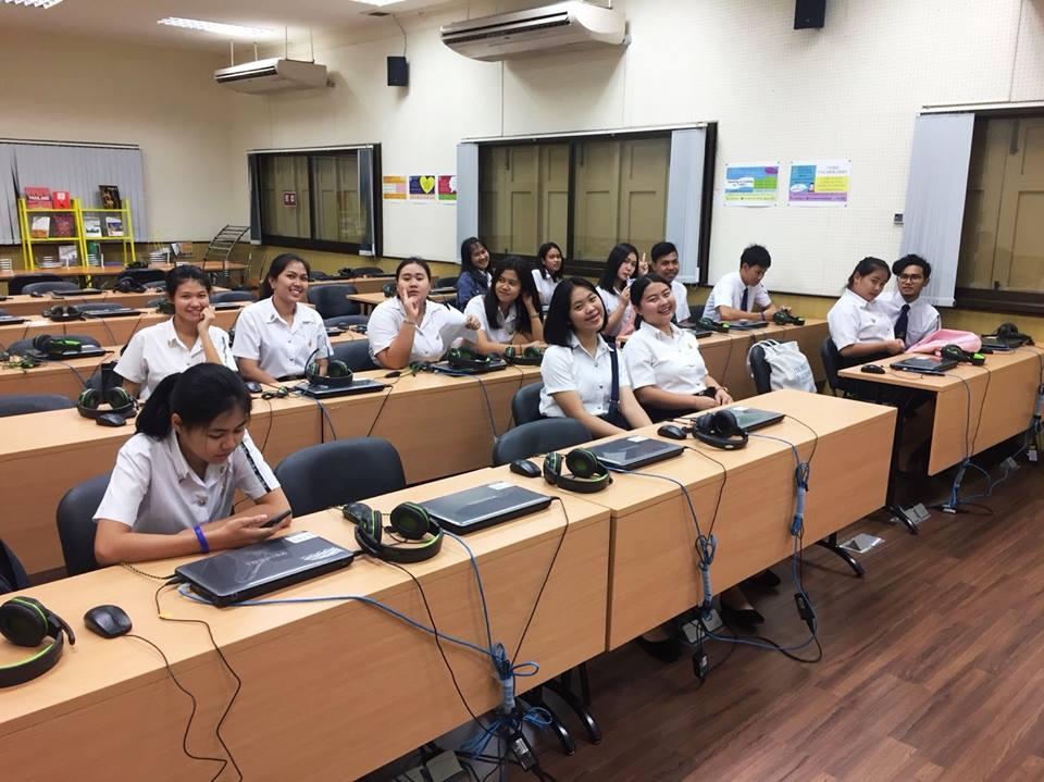 นักศึกษา ชั้นปีที่ 2 กิจกรรม English Speaking for Specific purposes หลักสูตรอาชีวอนามัยและความปลอดภัย